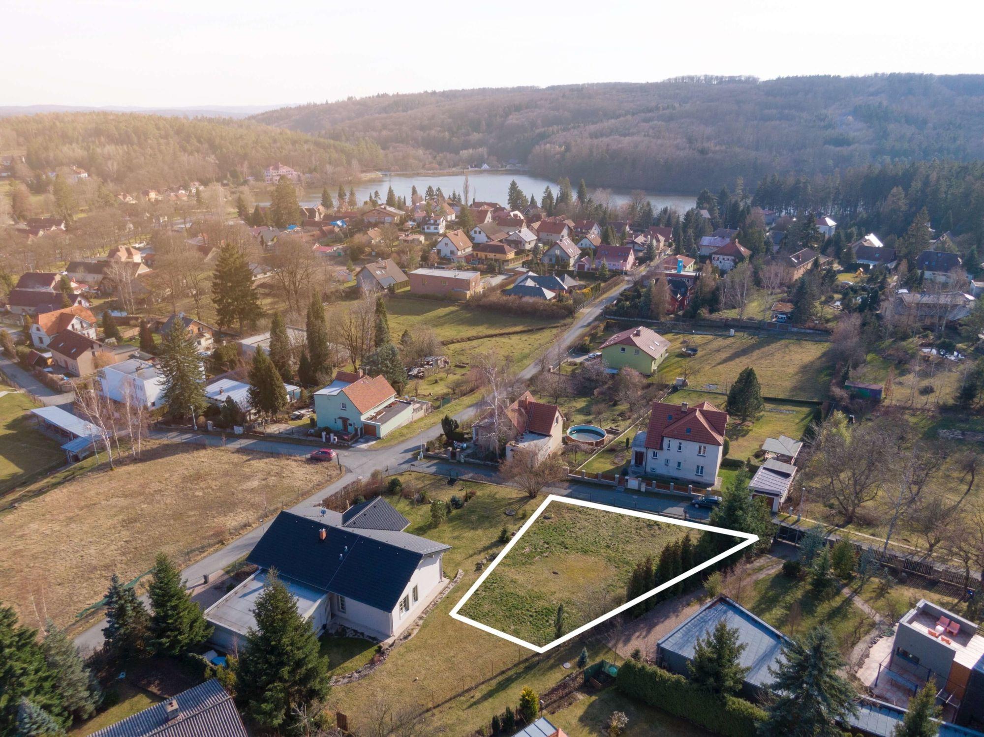 Prodej pozemku 541 m², Jevany